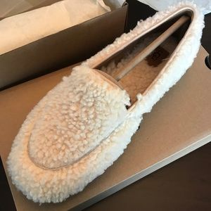 e82aa6d31c4 New UGG Hailey Fluff Loafer Slipper, Natural, 8 9 NWT